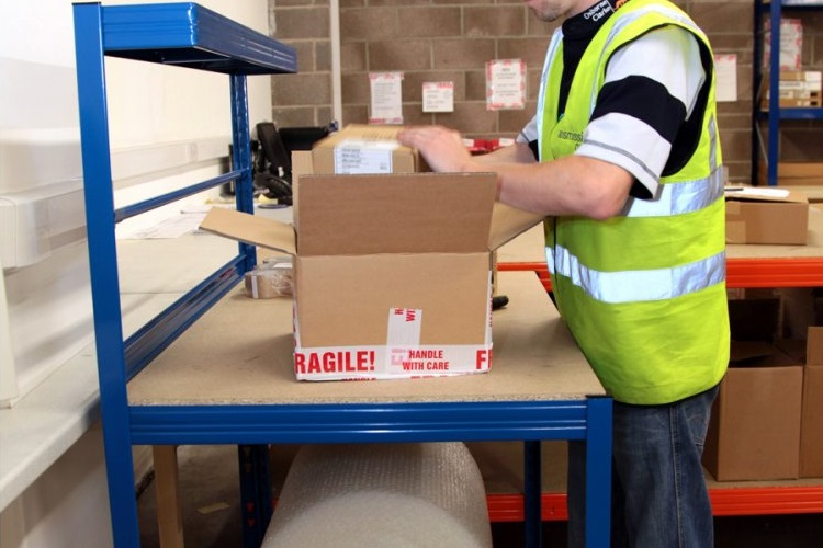 Things to Consider When Implementing Workhouse Packaging Benches