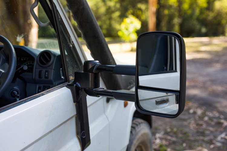 What Makes Towing Mirrors an Essential Add-on For Caravan Towing?