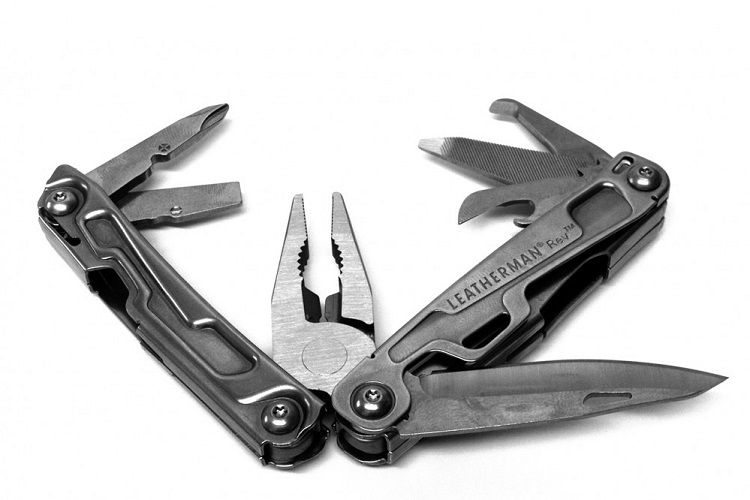 The Whole Story Behind The Leatherman Rev – The Budget King