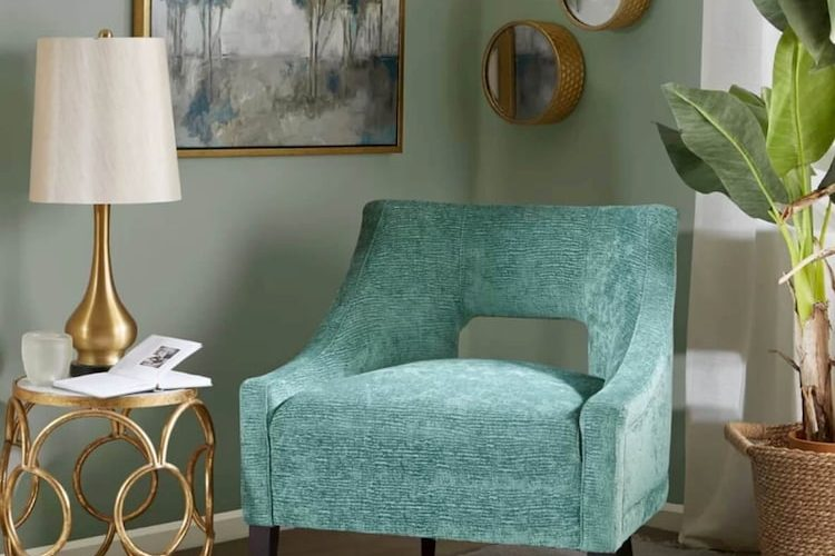 Give Your Space a Dramatic Boost – Tips on Decorating with Accent Chairs