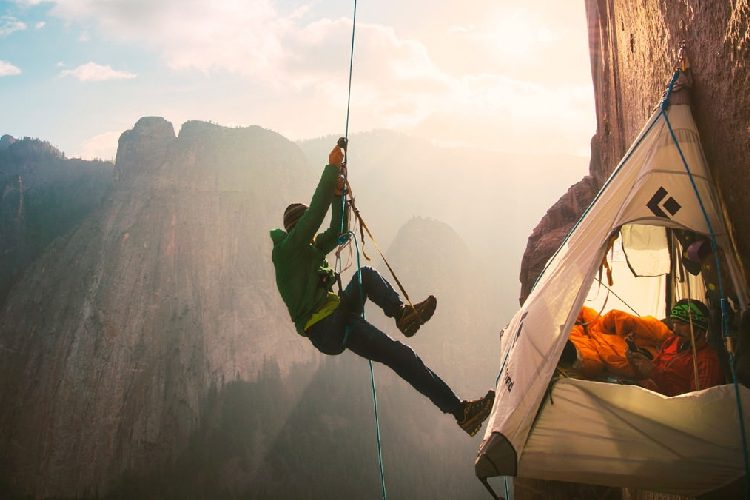 The Beginner's Guide to Abseiling Descenders