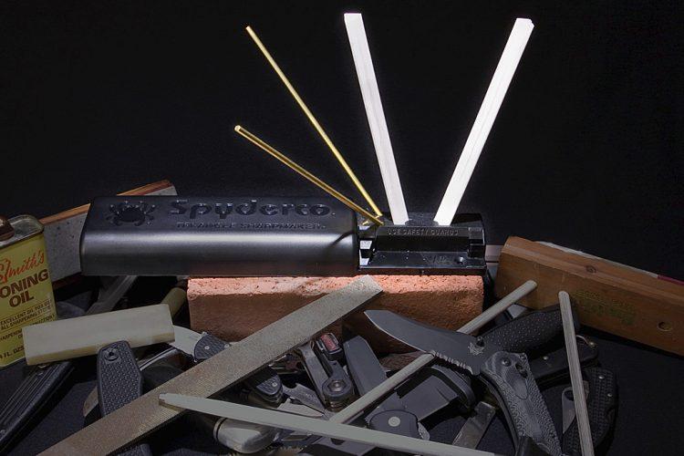 Spyderco Triangle Sharpmaker Makes for a Top-notch Gadget