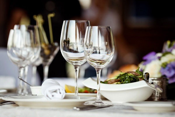 Hospitality Supplies: Equip a Restaurant to Win Over Hearts