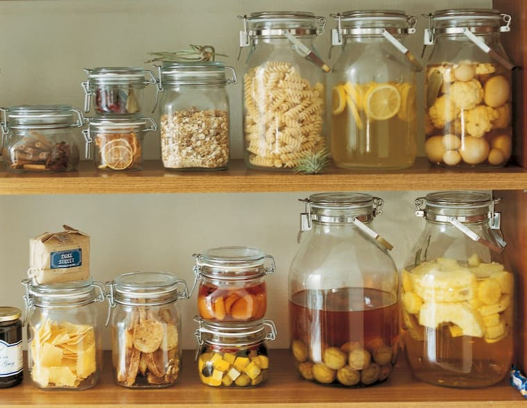 glass-jars-with-food