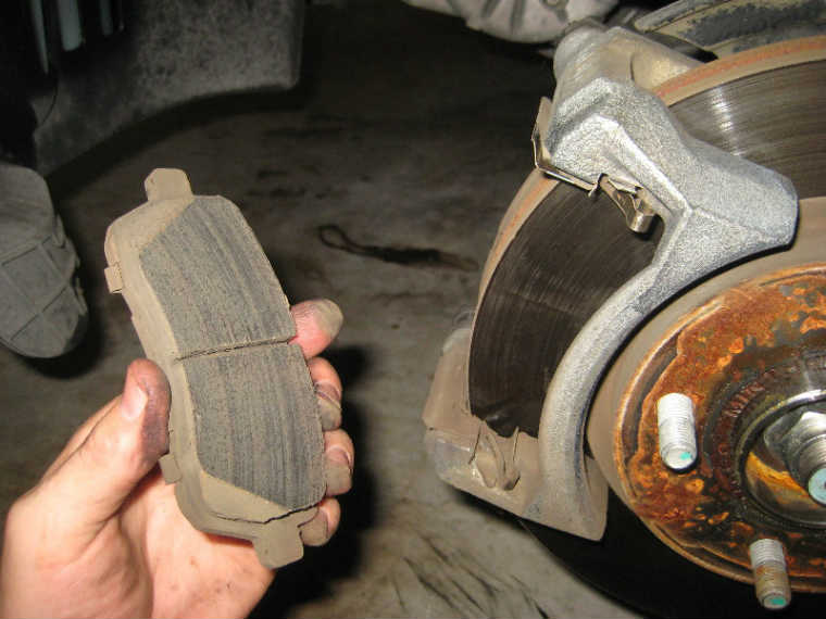 ford front brake pads