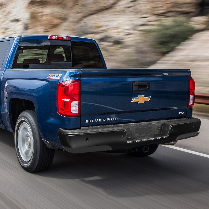 picture of back part of blue chevrolet silverado