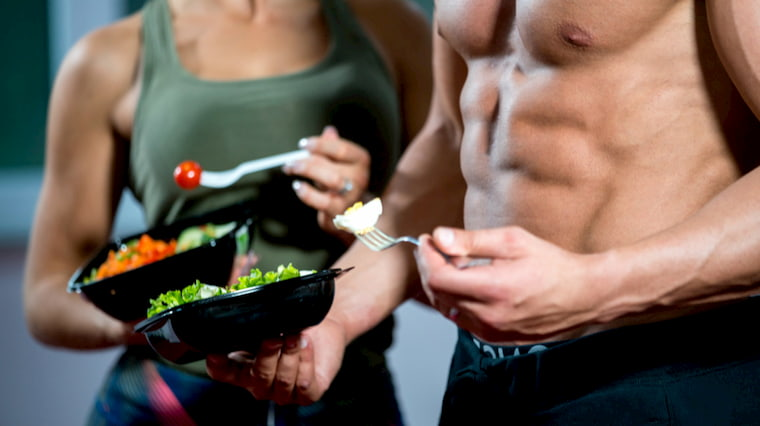 fitness-couple-eating-protein-meal