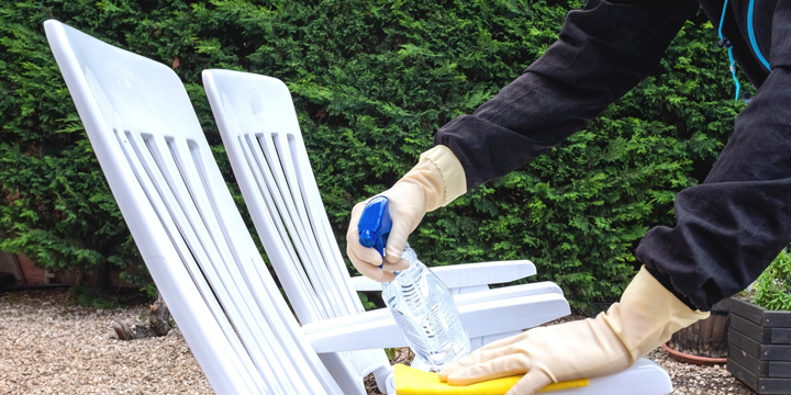 cleaning your outdoor furniture patio dining chairs
