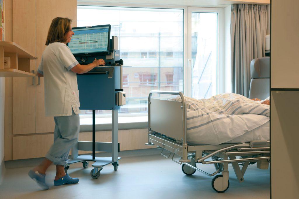 emergency tolley for hospital nurse