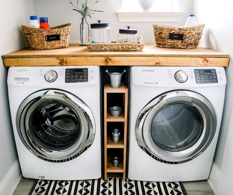 picture of washer and dryer in a laundry room